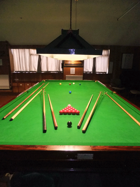 Stoke bowls club facilities for 10 snooker table
